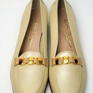 Salvatore Ferragamo Womens Leather Slip on Sz. 9